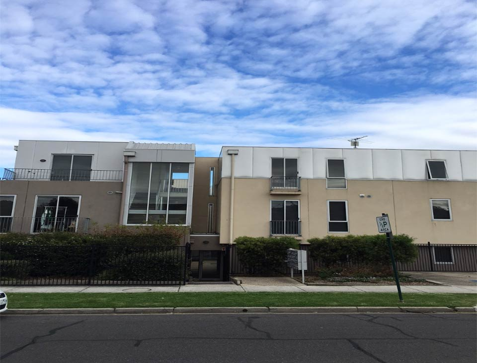 Two Bedroom Student Apartment within Walking Distance to Deakin University