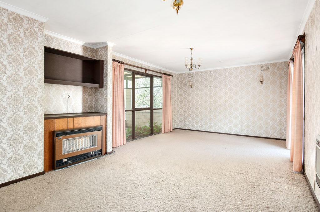 Grandstand. 23 Arbroath Rd, Wantirna South. sale, rent.