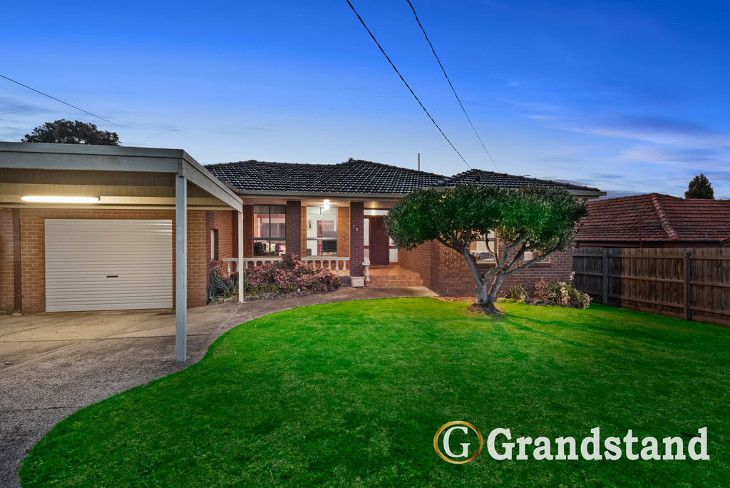 Stunning 5 Bedroom Residence at the Heart of Scoresby