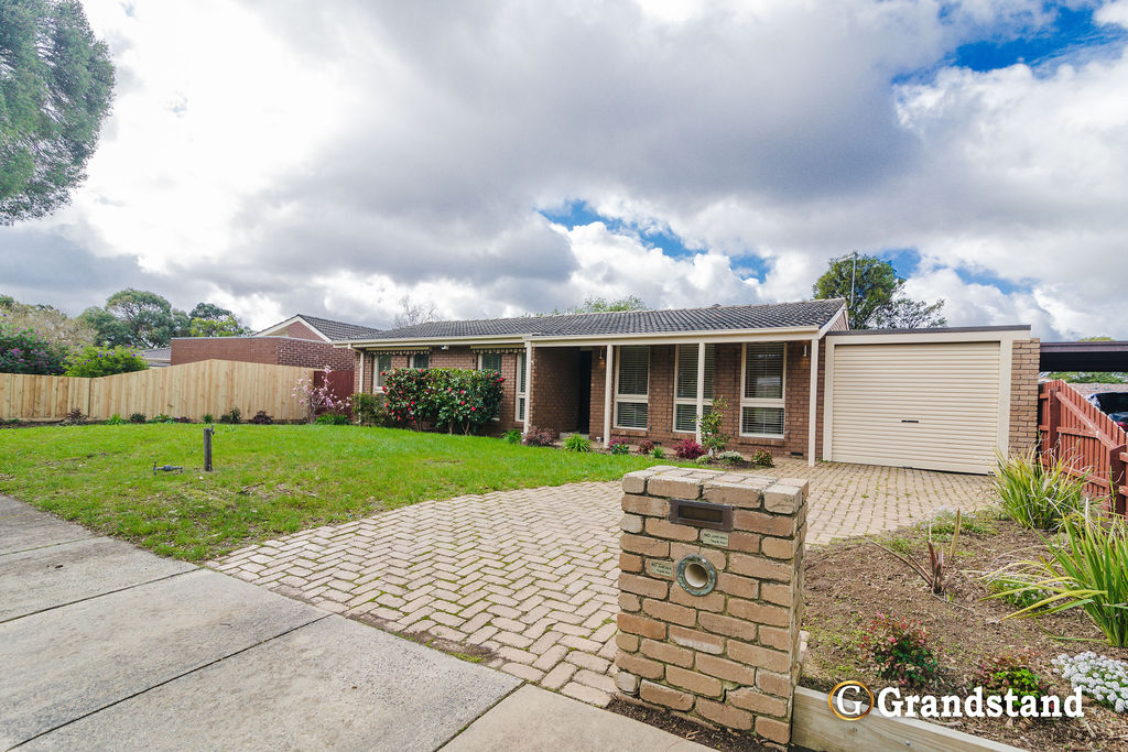Beautiful 4 Bedroom Home! Walk to Templeton Primary School!