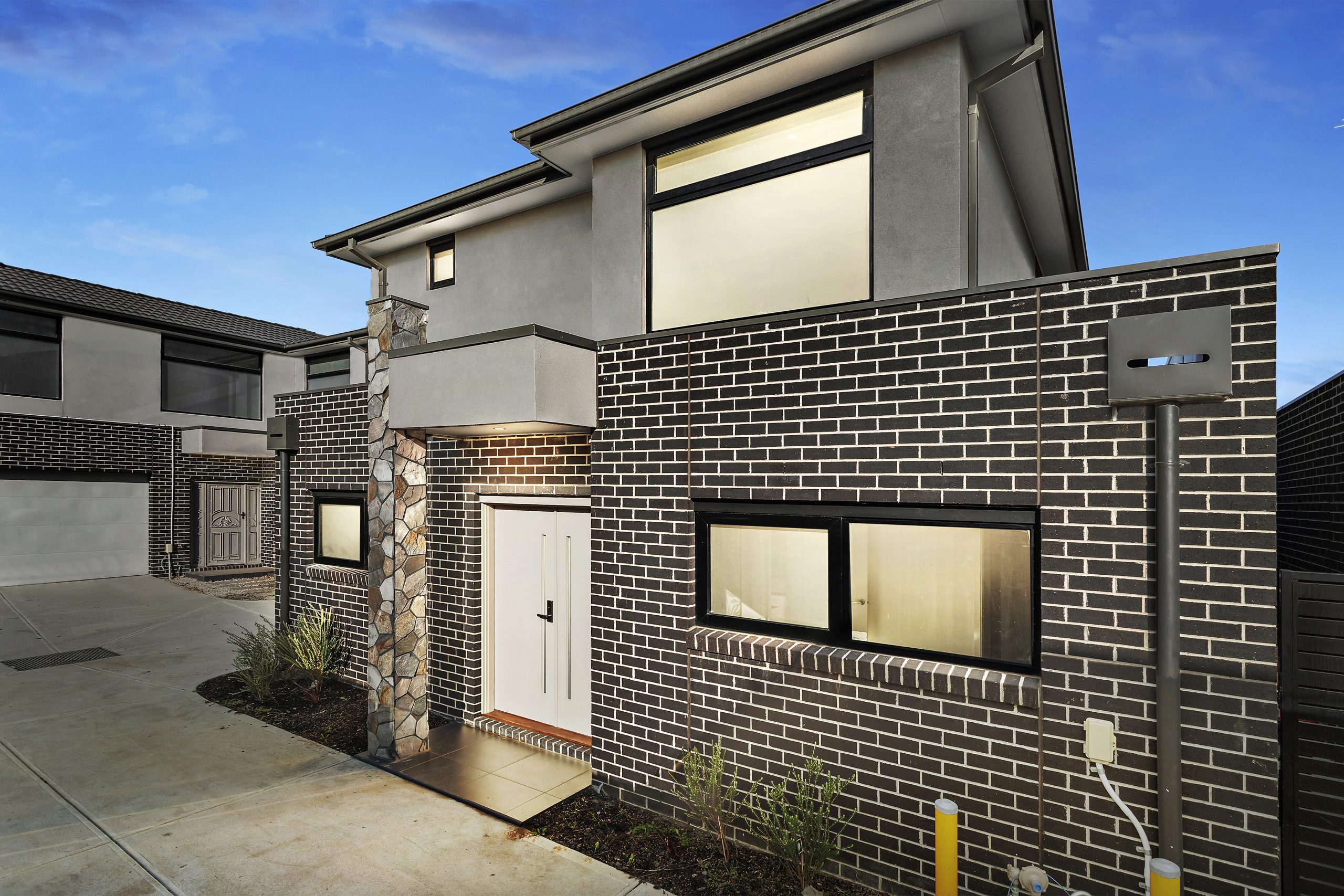 4 Bedroom Townhouse in Central of Burwood