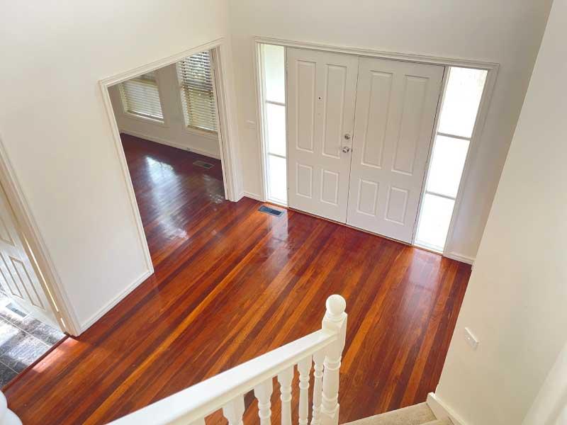 Upstrairs-stair-cases